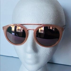 NWOT Guess Sunglasses GU7387 72G pink 100% authe..